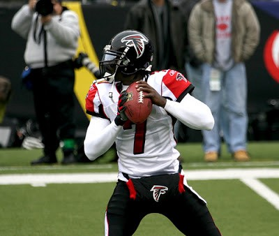 new concept a74f3 016a5 Why The Atlanta Falcons Have The NFL's Best Uniform
