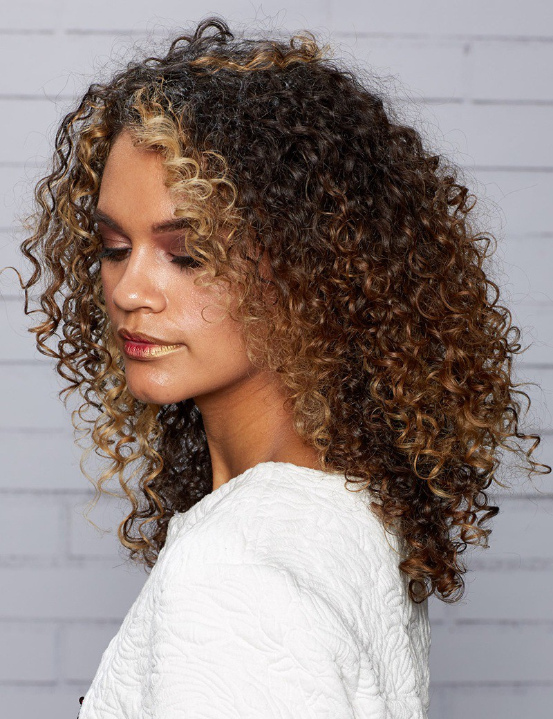 Curly medium hairstyles for women 2019–2020 - Haircuts - Medium