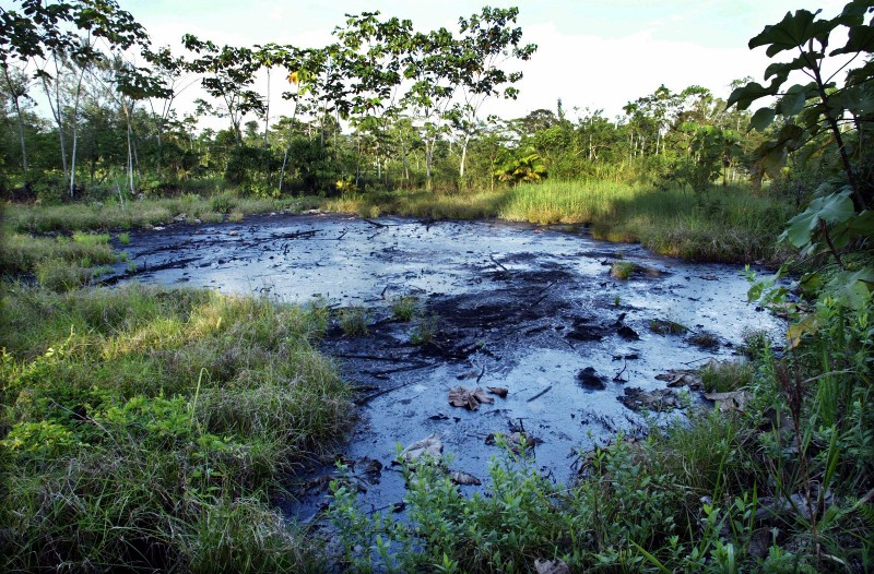 Chevron Says This Unlined Oil Pit Isn't Harming Ecuadorians & Their Food & Water Supply In Rainforest