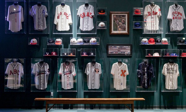 03ab4205f Major League Baseball and the Negro Leagues co-existed in a golden era of  uniforms