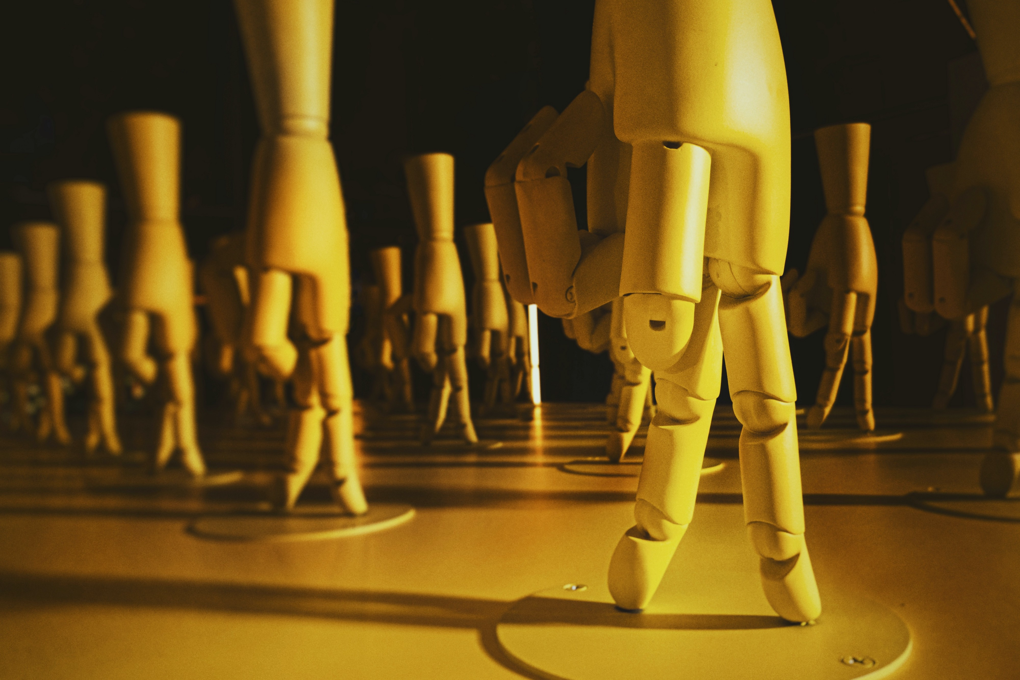 picture of many artificial hands