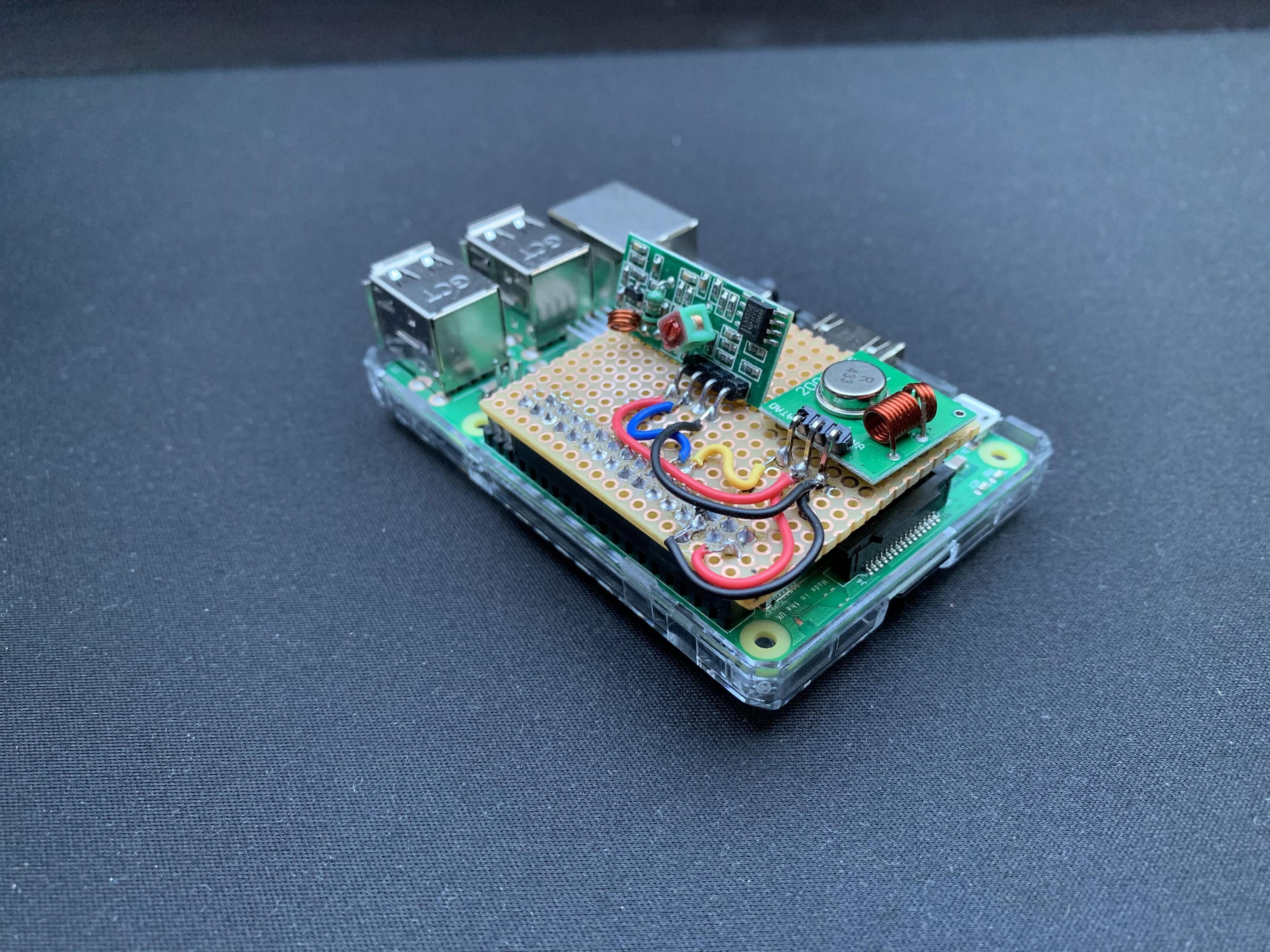 This 433MHz Raspberry Pi HAT Makes It Easy to Control