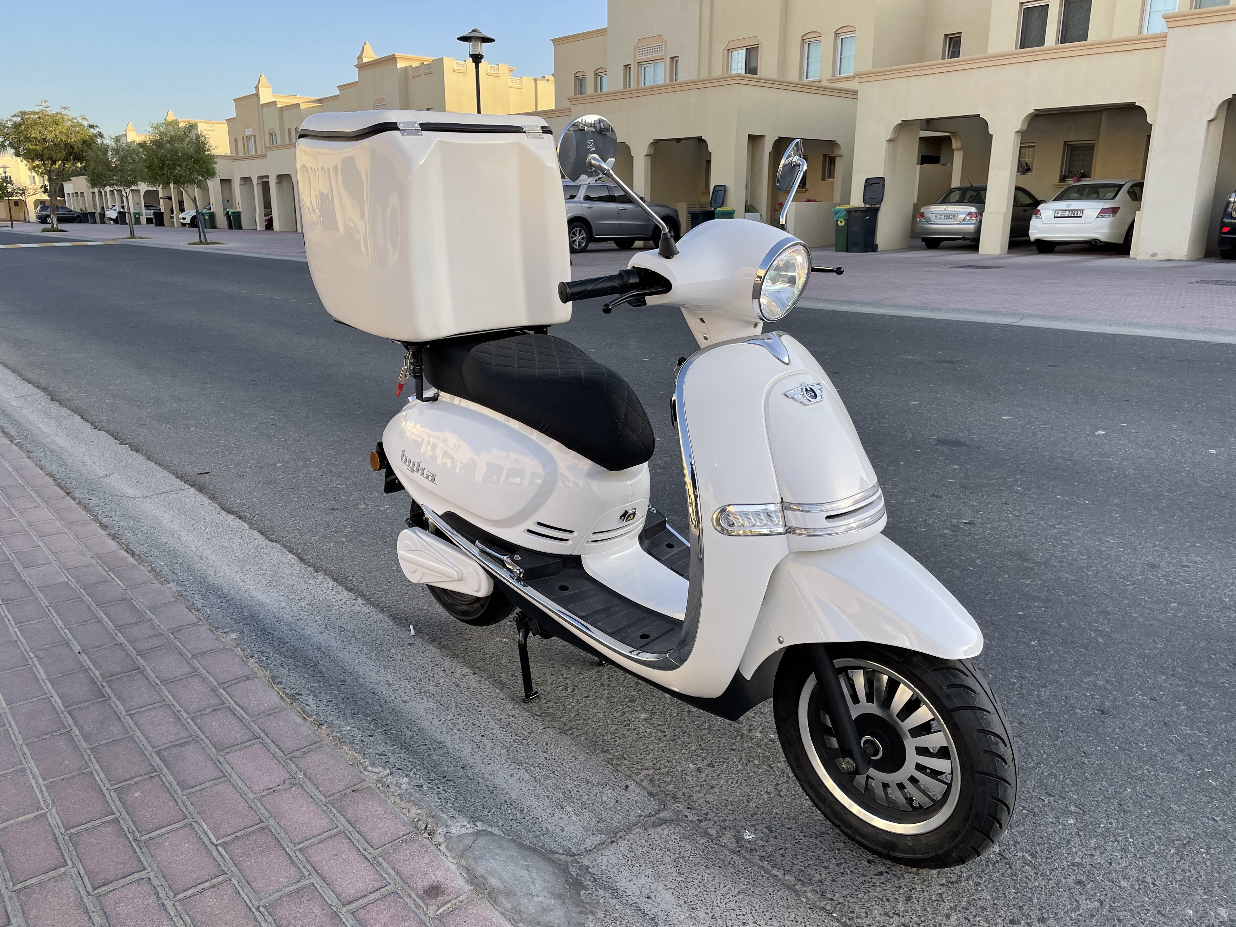 Byka by ONE MOTO Electric delivery motorcycle
