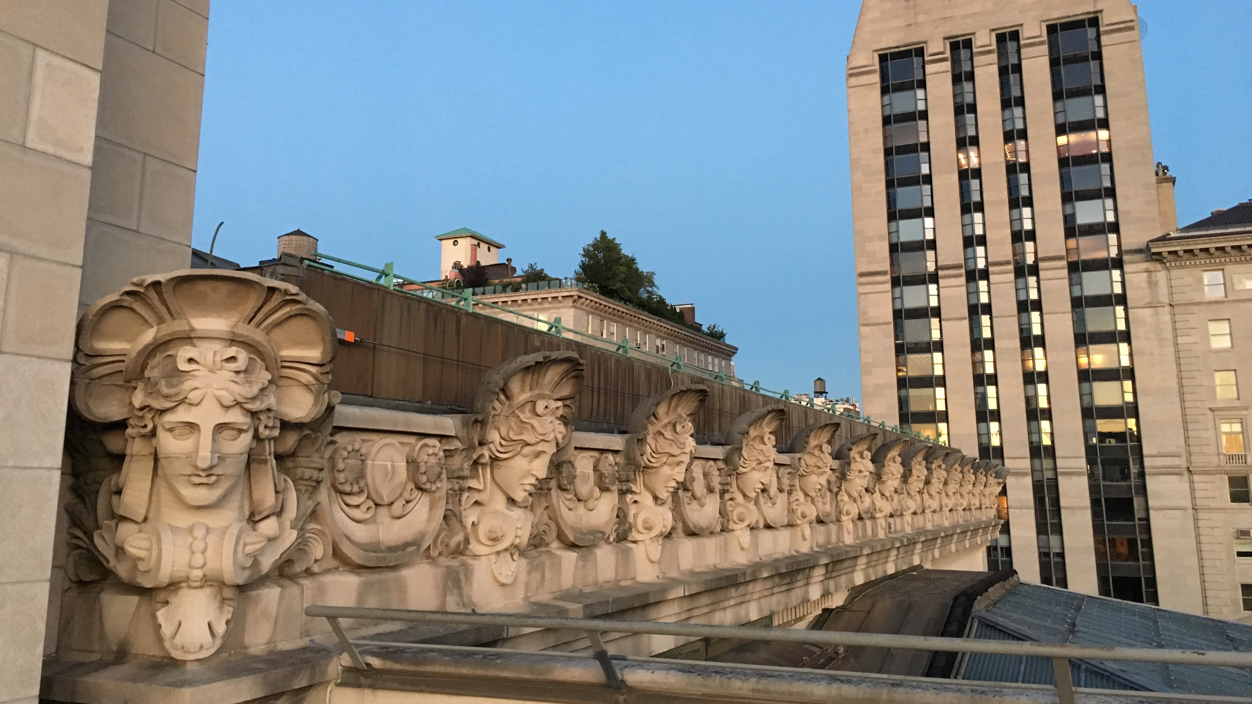 Sculptural Frieze of the Met Museum Roof recedes towards the Philip Johnson-designed apartment building on Fifth Avenue