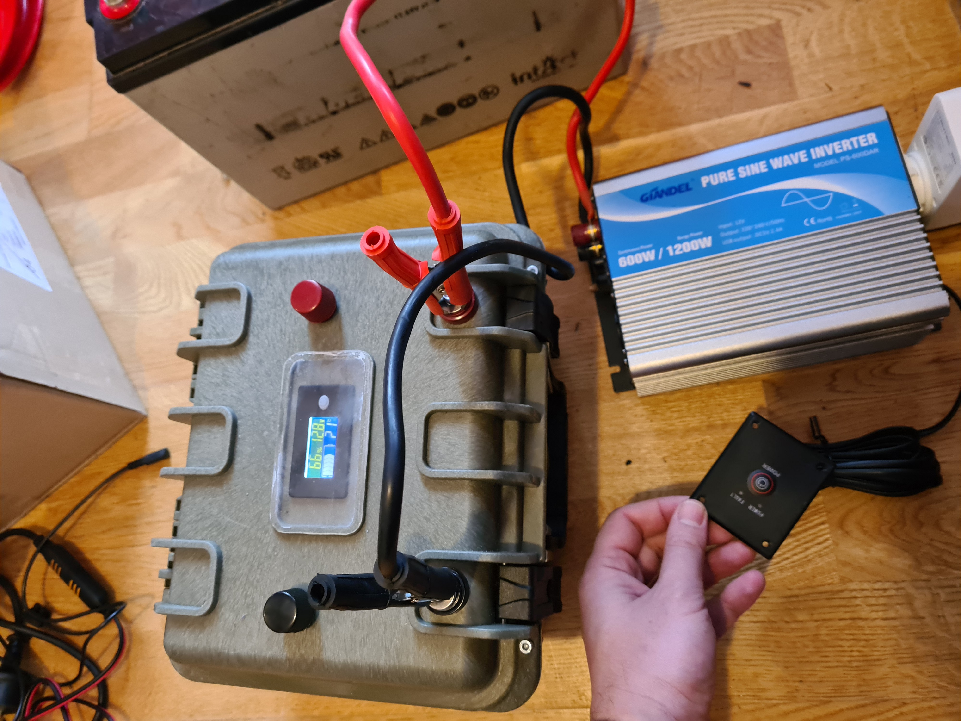 Turn off inverter to save battery