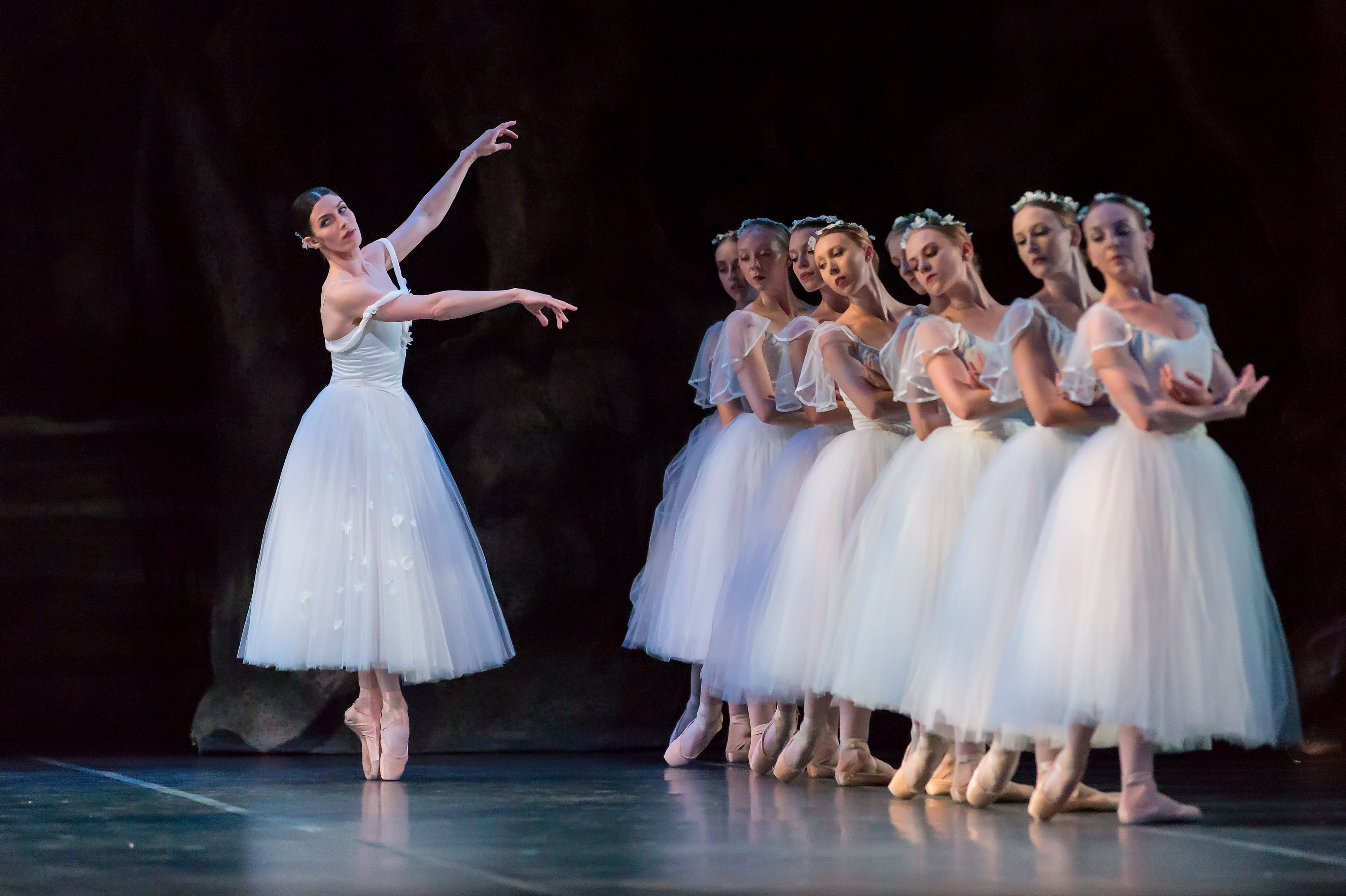 Giselle A Truly Romantic Ballet The Ballet Classic You Must Experience By Ballet Austin Medium