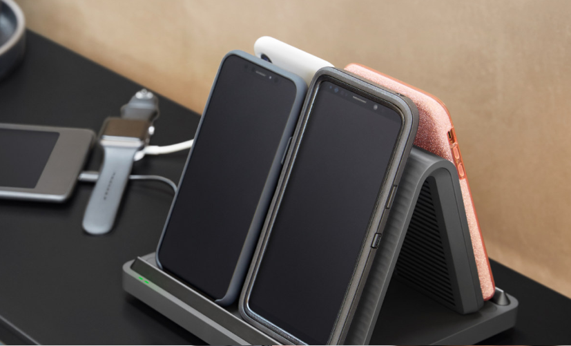 Spansive Source Wireless Charger charging 4 phones wirelessly and a smart watch and tablet via cable — Via Spansive.com