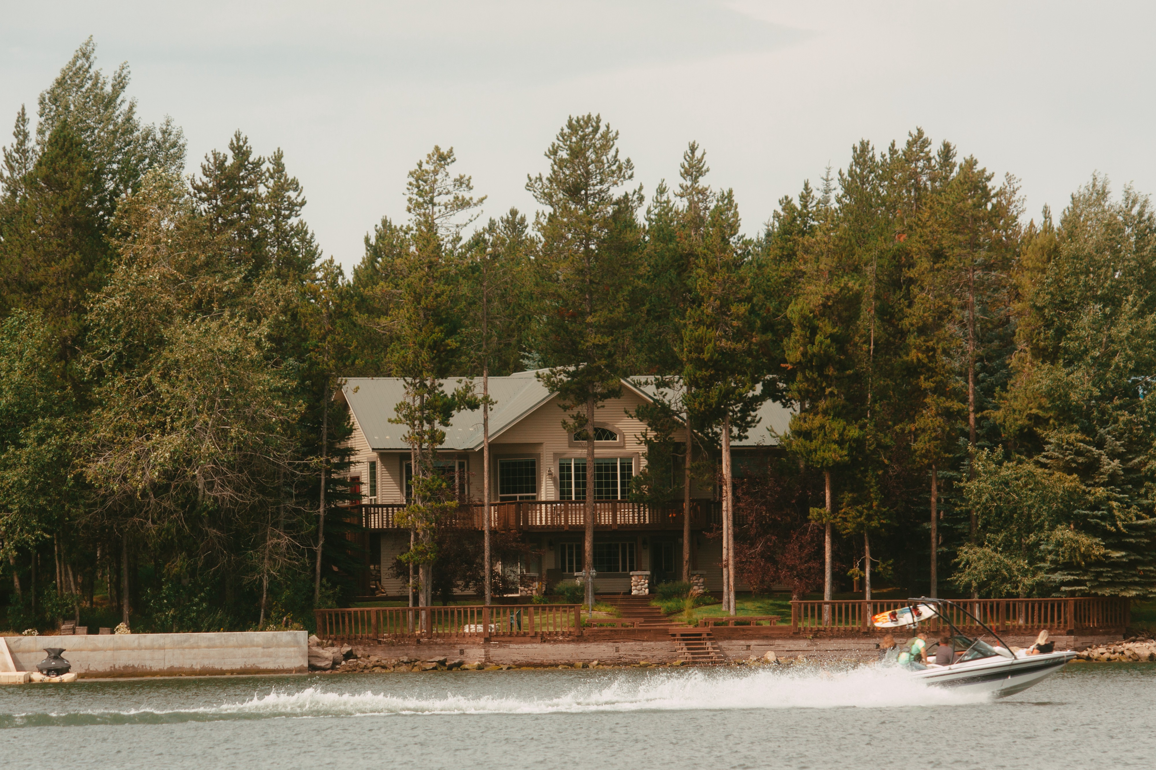 Photo of a House on the river.