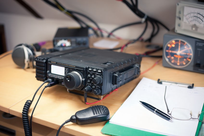 Parallels Between Ham Radio and Social Media: Lessons Learned