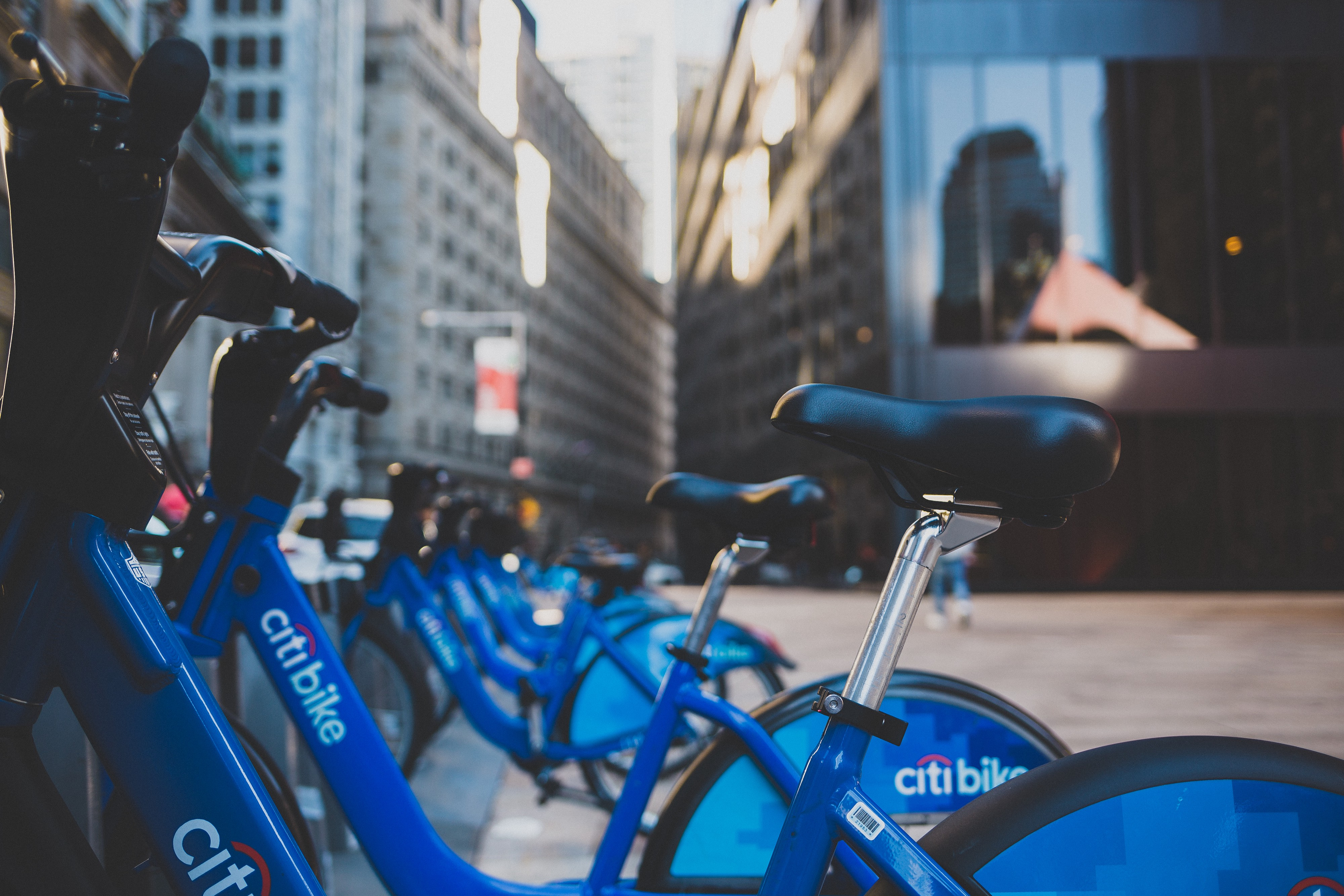 Tracking NYC Citi Bike real time utilization using Kafka Streams on