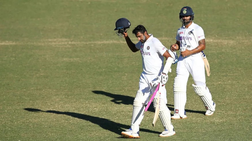 R Ashwin & H Vihari walking off the field to standing ovation after successfully drawing a Test against Australia