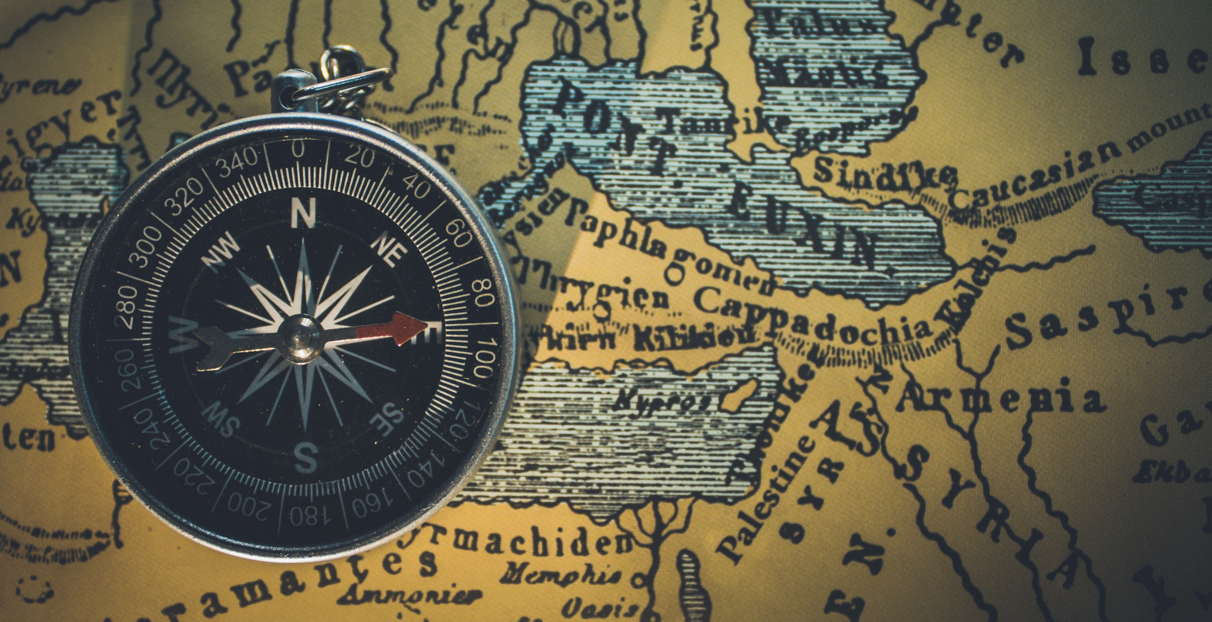 Compass showing the way to Armenia