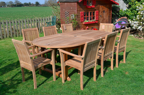 Stupendous Wicker Vs Teak Garden Furniture Whats Right For You Gmtry Best Dining Table And Chair Ideas Images Gmtryco