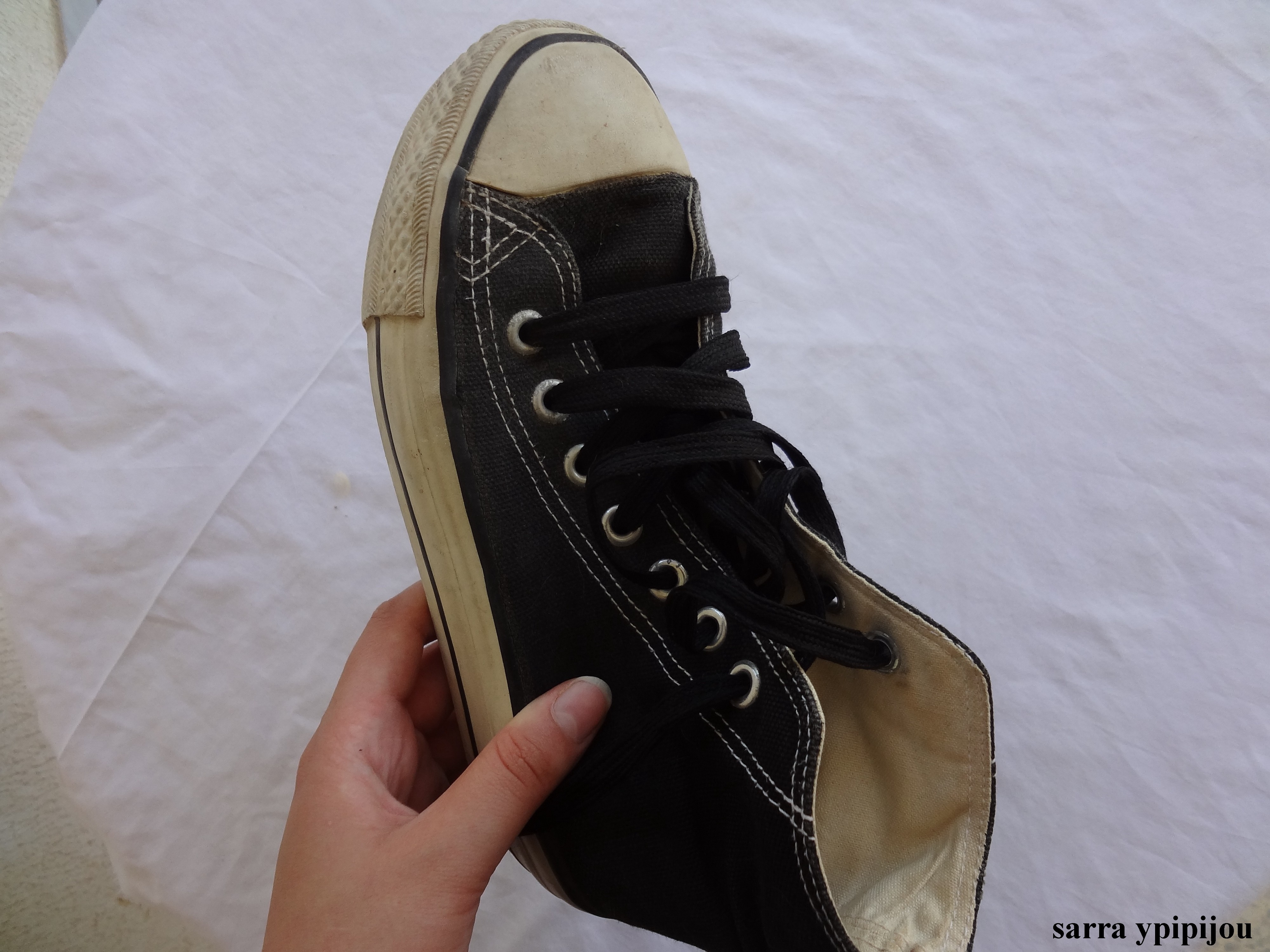 How To Clean Converse Sneakers When
