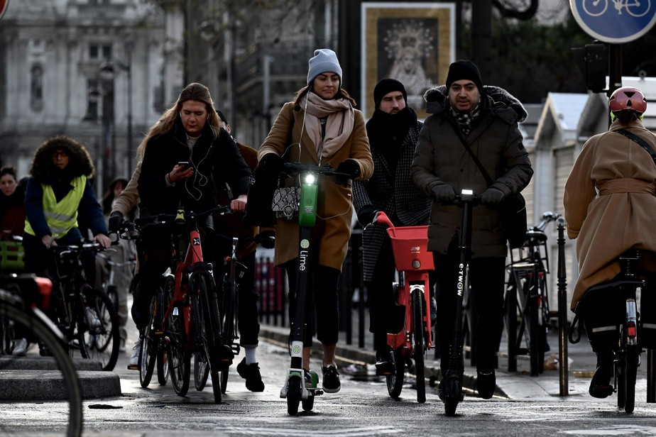 Shared mobility services : lessons learnt from Paris' transport strike