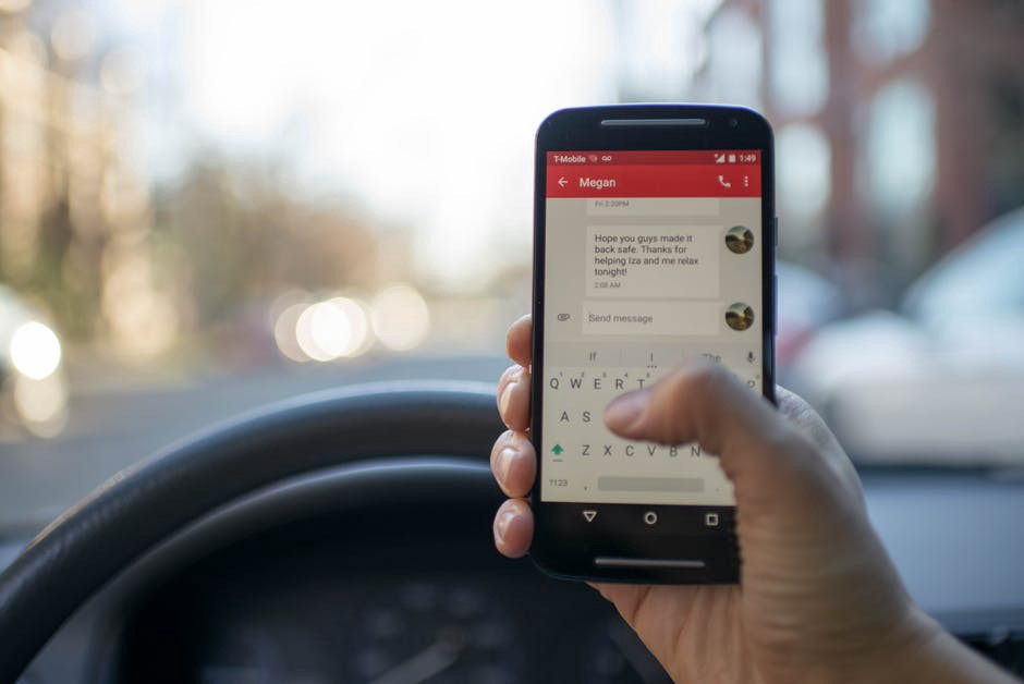 Why Does Everyone Still Text and Drive, Despite the Dangers?