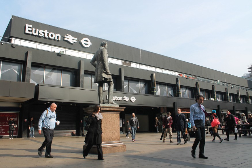 newest 506a8 dd50a Things to Do In Euston Station, London