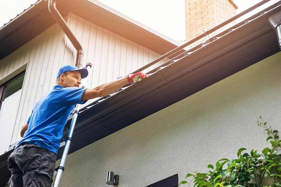 Protect Your Home with Help of an Expert Gutter Cleaning Service