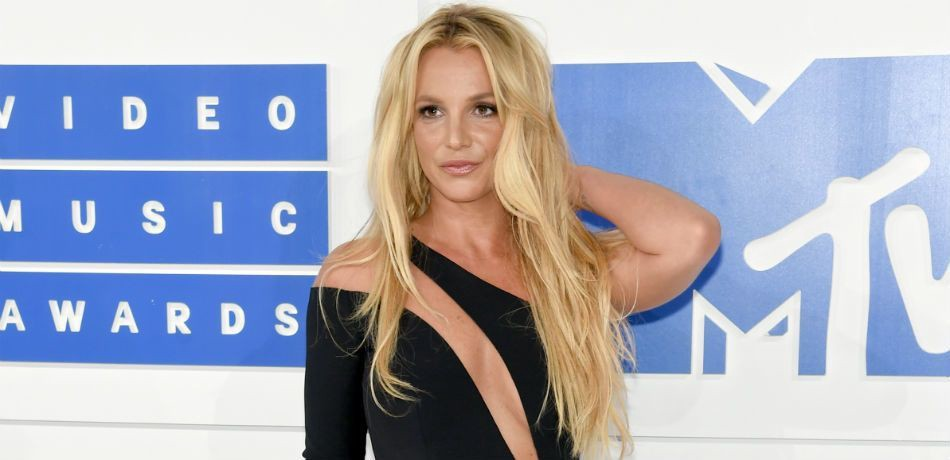 13 Reasons Why Britney Spears Is Still The Princess Of Pop By Anonymous Medium