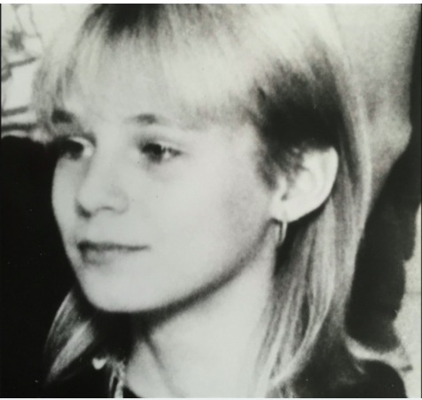 Black and white photo of missing Finnish teenager Piia Ristikankare. Head and shoulders.