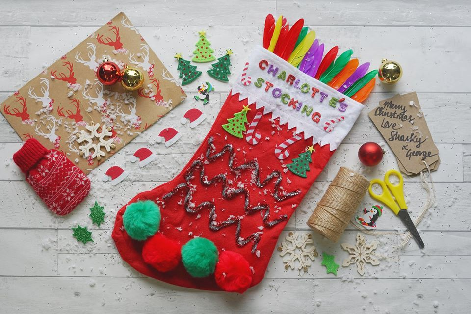 3 Easy Christmas Crafts To Entertain Your Children This December By Sharky And George Events Medium