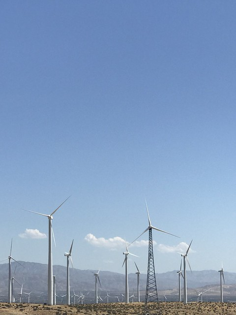 Windmills of the San Gorgonio Pass wind farm as seen from Interstate 10 in California