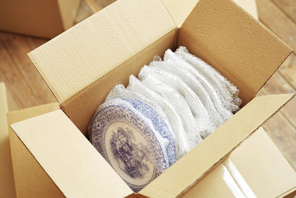 How to Pack Fragile Items for Moving ...architecturelab.net