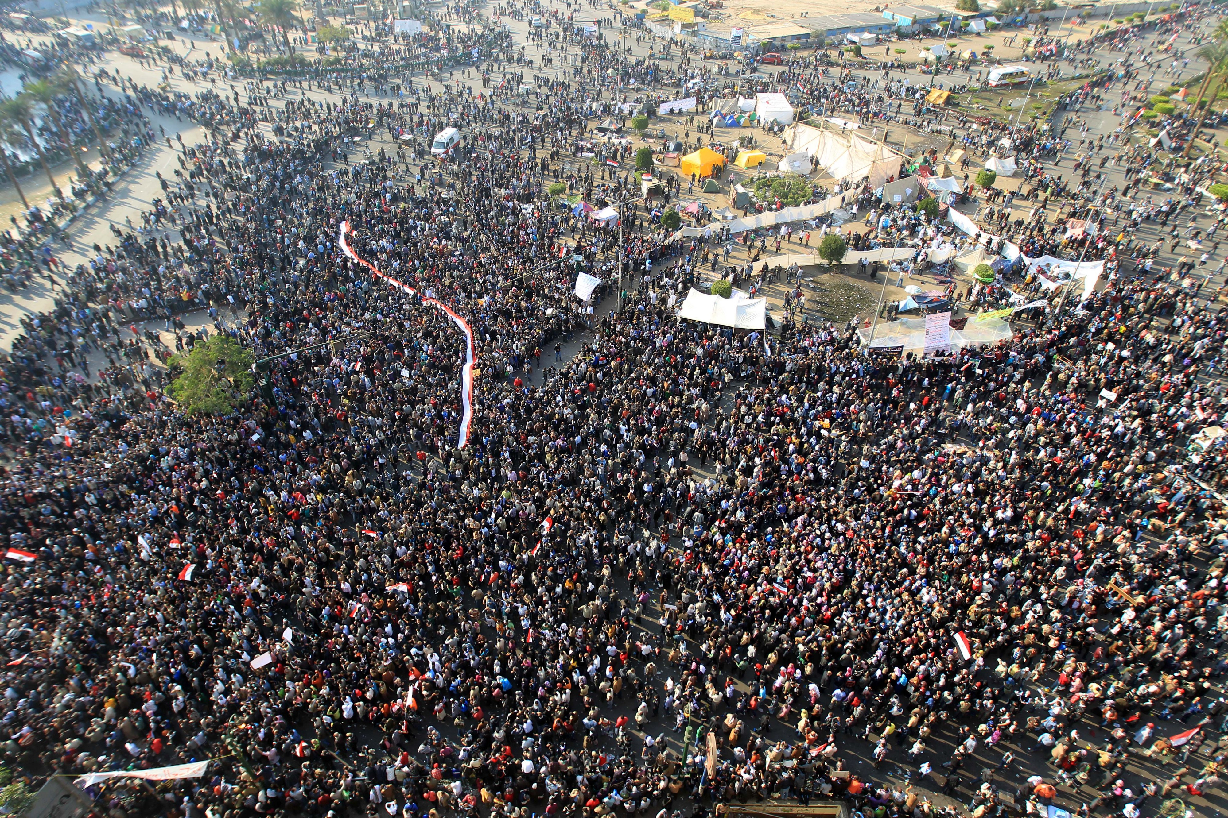 """The role of social media in the 2011 Egyptian revolution"""""""