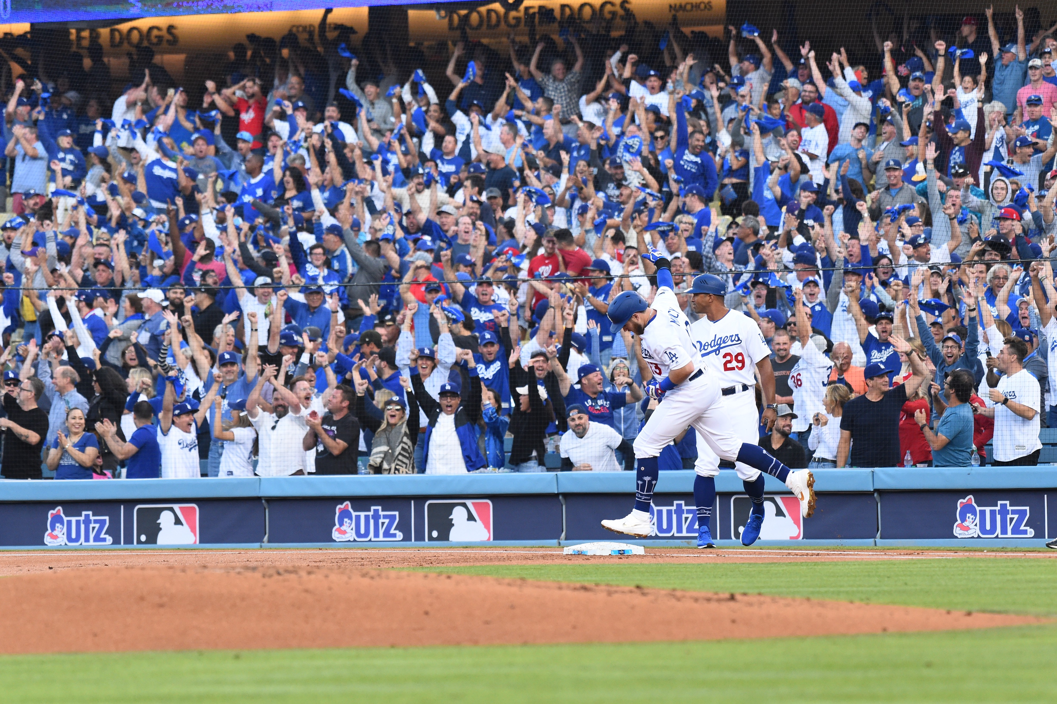 Dodgers, Spectrum agree to TV deal with AT&T, DirecTV